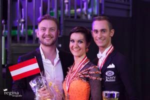 Klemens Hofer & Barbara Westermayer mit ihrem Coach Vladimir Slon.  © Regina Courtier
